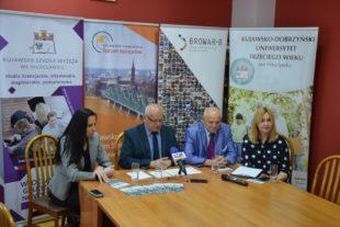 Kujawska Szkoła Wyższa - Galeria: II Kujawsko-Pomorskie Forum Seniorów – konferencja prasowa