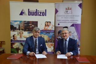 Kujawska Szkoła Wyższa - Galeria: Porozumienie o współpracy pomiędzy KSW a firmą Budizol
